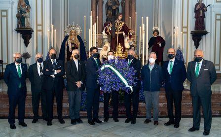 El Betis no falta su tradicional ofrenda floral a La Misión.