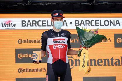 De Gendt vence en Montjuïc y Adam Yates se adjudica la edición del centenario
