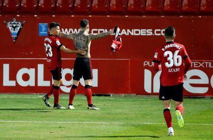 Aplazado el Mirandés-Tenerife tras otros siete positivos en el equipo local