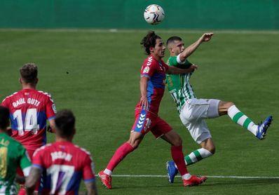Guido Carrillo, en el Elche, y W. Carvalho y Ruibal, en el Betis, novedades