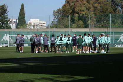 Pellegrini ya prepara el encuentro ante un 'tocado' Atlético de Madrid.