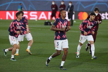 Militao y Vinicius, titulares en un Real Madrid con tridente ofensivo