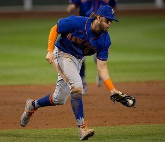 Los Mets vencen a los Marlins ante más de 8.000 aficionados en el Citi Field