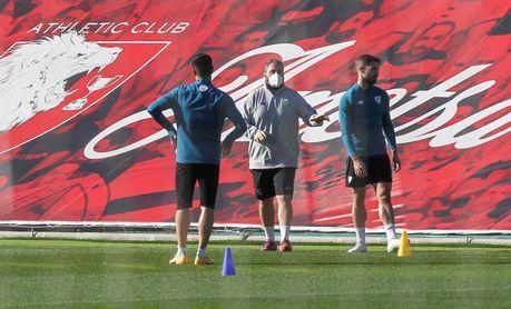 Yuri y Yeray trabajan el margen en la primera sesión de la semana