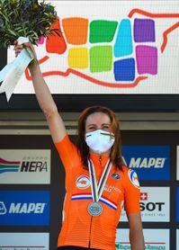 Annemiek Van Vleuten entra en la Ardenas con el objetivo del triplete