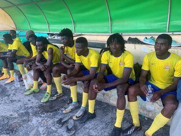 """""""Migrantes del balón"""": pagar para soñar en la mayor liga aficionada de África"""