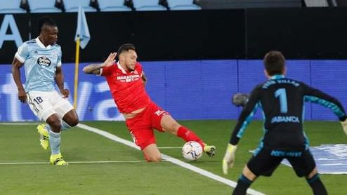 La polémica colea en Vigo: ¿Sale el balón de Ocampos que precede a la jugada del gol de Koundé?