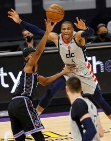 111-123. Westbrook no se baja del triple-doble y logra el vigésimo cuarto