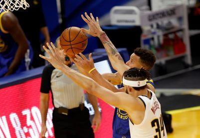 101-119. Curry anota otros 33 puntos en el triunfo de los Warriors sobre los Cavaliers