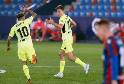 Correa-Llorente, ataque del Atlético; Trippier, en el lateral
