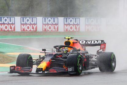 Sergio Pérez, sancionado por recuperar una posición con coche de seguridad