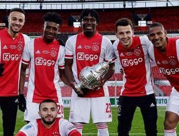 Idrissi toca plata con el Ajax.