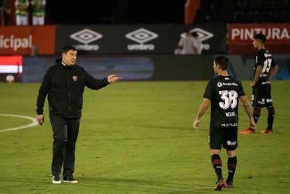 El Newell's del Mono Burgos debuta en la Sudamericana en casa del Goianiense