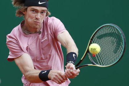 Rublev es séptimo y desplaza a Federer al octavo puesto