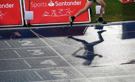 Daniel Mateo bate el récord de España de la hora en pista de Mariano Haro