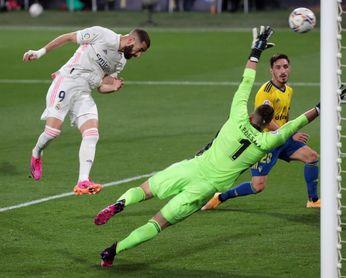 0-3. Benzema devuelve la firmeza