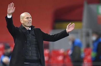 """Zidane: """"Me alegro por Benzema, disfrutamos de él"""""""