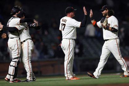 Padres pueden con Dodgers; Gigantes consolidan su juego ganador