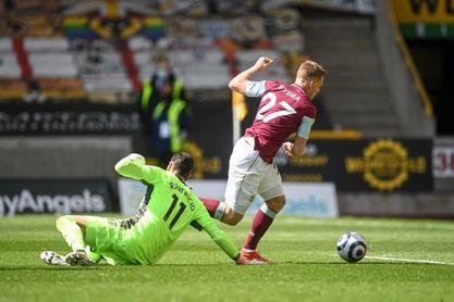 Un 'hat trick' de Wood decide la salvación del Burnley