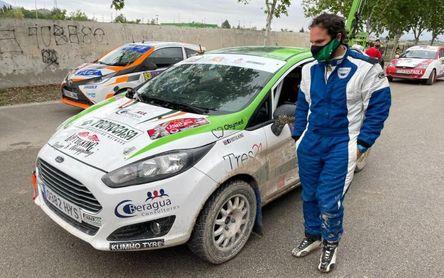 Alberto Bueno remonta hasta el sexto puesto en el Rally Tierras Altas