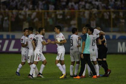 Alianza y Municipal Limeño mantienen el control en el Clausura salvadoreño