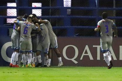 Huachipato y 12 de Octubre chocarán por el liderato en la Copa Sudamericana