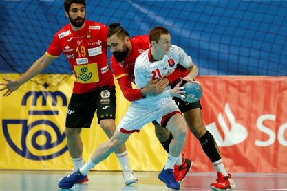 27-21. España se hace grande ante Eslovaquia