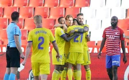 0-1. Sobrino salva al Cádiz y condena al Granada a un todo o nada por Europa contra el Betis