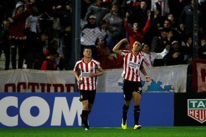 Estudiantes vence a Platense y se clasifica para los cuartos de final