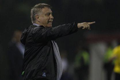 Sol de América prescinde de Ever Almeida, el técnico más veterano de Paraguay
