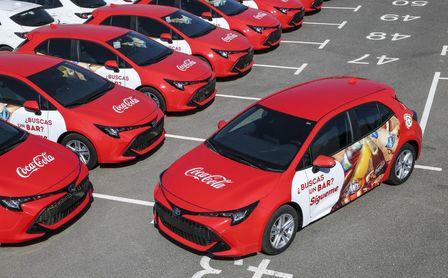 Coca-Cola incorpora vehículos híbridos en su flota comercial para reducir su impacto ambiental.