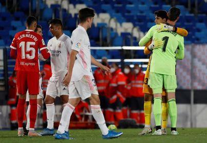 El Atlético de Madrid retiene la iniciativa