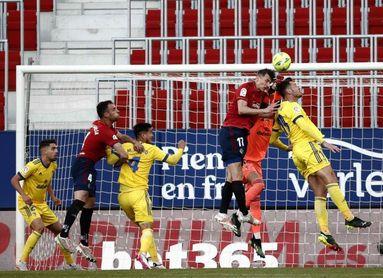 3-2. Un ambicioso Osasuna se lleva el trámite ante el Cádiz