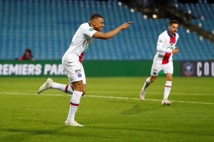 Los penaltis llevan a la final al PSG en la exhibición de Mbappe