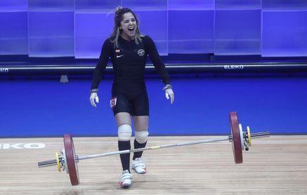 Atenery Hernández, oro y récord en el Iberoamenricano de halterofilia