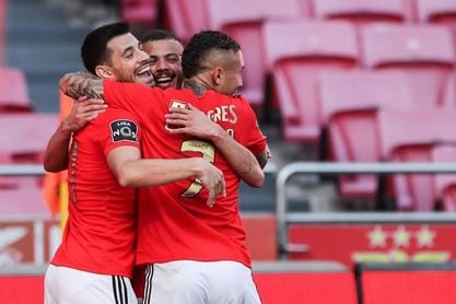 El Benfica asesta su primera derrota al Sporting y el Oporto asegura la 2ª plaza
