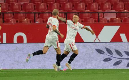 Sevilla FC 1-0 Alavés: El récord baila al ritmo del Papu.