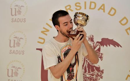 Fernando Espuny, campeón del Torneo de Tenis de Mesa 2020/2021.