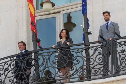 """Ayuso augura """"una auténtica revolución en Madrid solo asimilable a la Movida"""""""