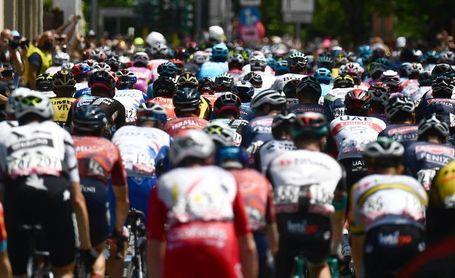 Yates volvió a comprometer a Bernal en Alpe di Mera