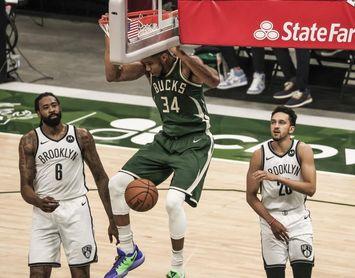 Bucks barren la serie; Sixers, se acercan; Jazz recuperan ventaja campo