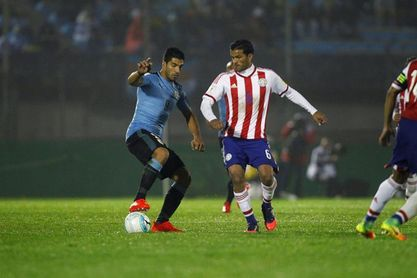 Lucha y entrega frente a frente entre Uruguay y Paraguay