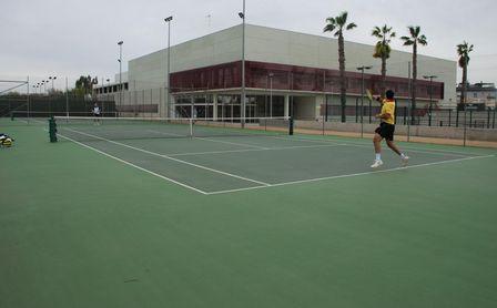 Dan comienzo los cursos de verano de tenis y pádel en el SADUS