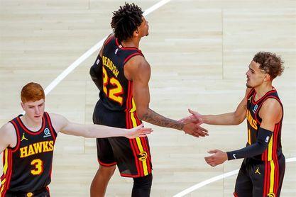 89-103. Trae Young sentencia a Knicks y Hawks jugarán semifinales con Sixers
