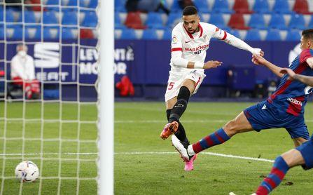 El Sevilla FC no escucha ofertas por En-Nesyri