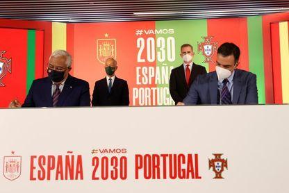 España y Portugal presentan su candidatura con el apoyo de Felipe VI y presidentes
