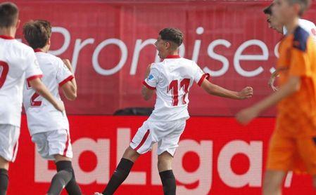 El Sevilla FC, primer semifinalista de LaLiga Promises tras vencer al Valencia (2-0)