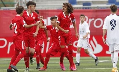 El Sevilla lo vuelve a hacer (2-0) ante el poderoso Real Madrid