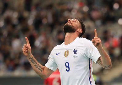 3-0. Griezmann adorna la victoria francesa empañada por el susto de Benzema