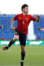 4-0. España exhibe futuro
